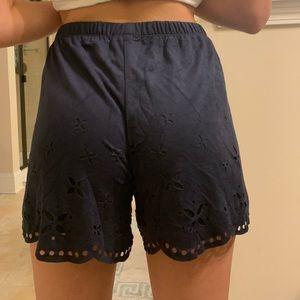 Pants - navy flowy shorts